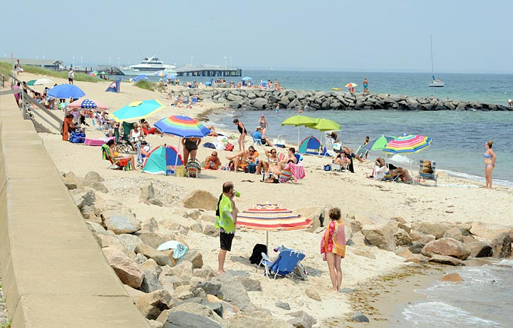 Inkwell Beach Wednesday Afternoon Looking Toward The Oak Bluffs Steamship Authority Terminal Photo By Ralph