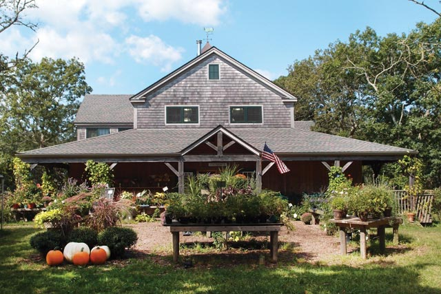 Morning Glory Farm Stand Traffic Growth Sparks Traffic Complaints The Martha S Vineyard Times