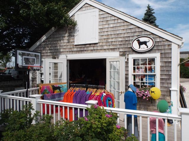 Black Dog Store Vineyard Haven