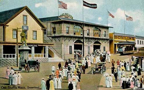 The original Dreamland ballroom, flanked by the civil war statue and a bowling alley, circa 1910.