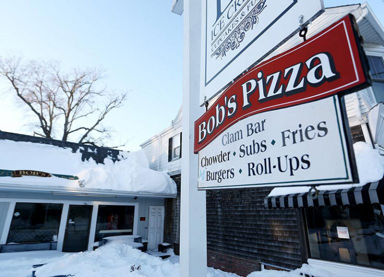 Vineyard Haven couple look for new restaurant location