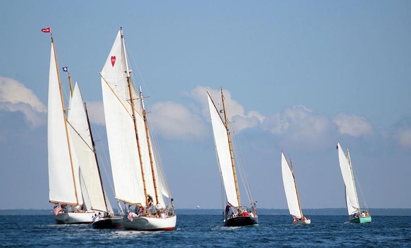 Gaff rig race featured breathless morning, late-day winds