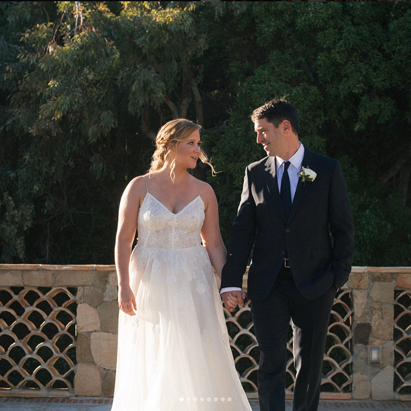 Island Chef Chris Fischer And Comedian Amy Schumer Marry