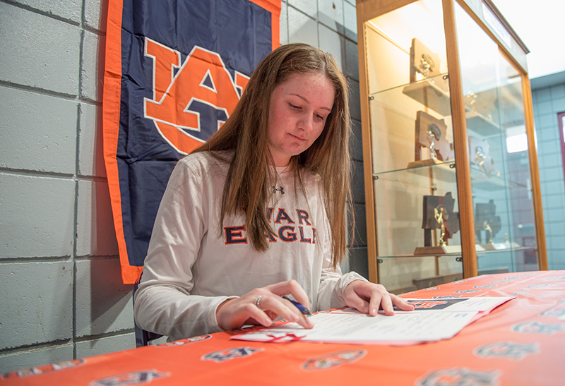 Equestrian Ava Stearns Signs With Auburn The Martha S