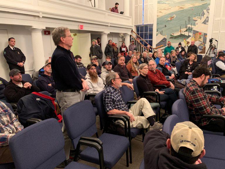 Tisbury selectmen support M.V. Shipyard expansion